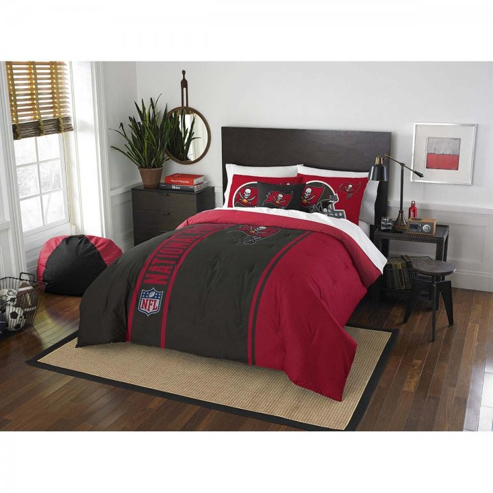 Tampa Bay Buccaneers Full Comforter And 2 Shams