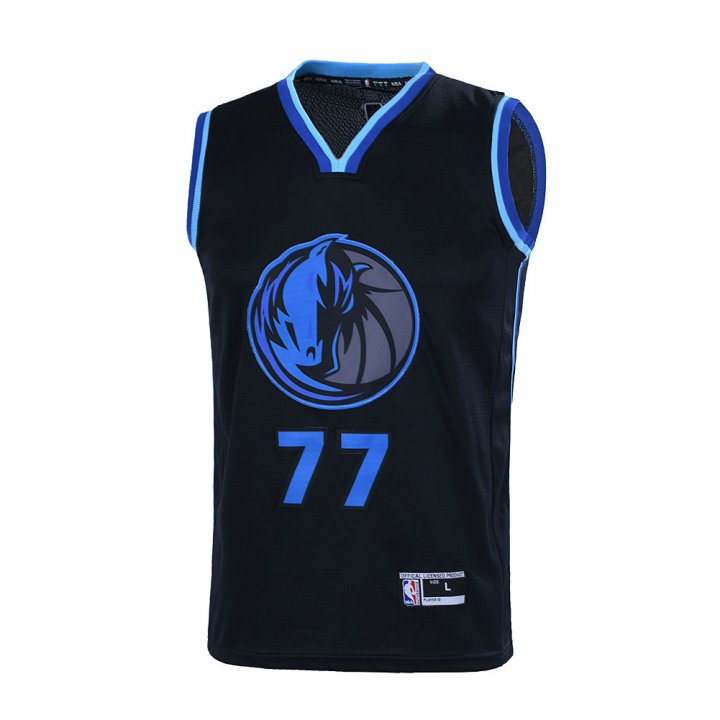Outerstuff Youth 8-20 Luka Doncic Dallas Mavericks #77 Player Jersey for Kids
