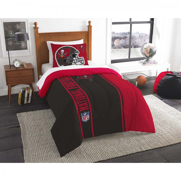 Tampa Bay Buccaneers Twin Comforter And Sham